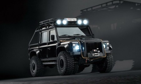James Bond's Land Rover Defender has 38-inch tires (Images and videos courtesy of Sony Pictures)