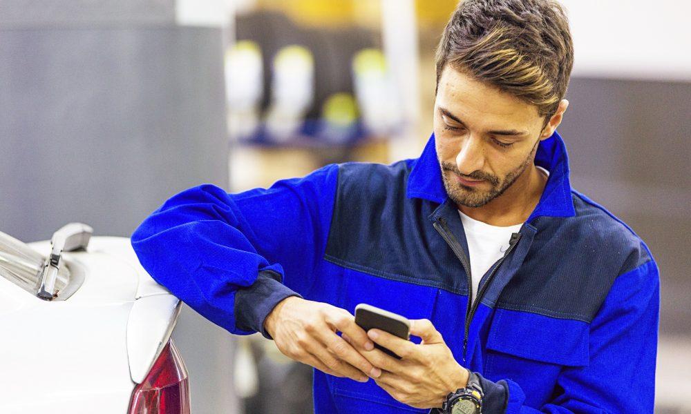 Mechanic Using Smart Phone