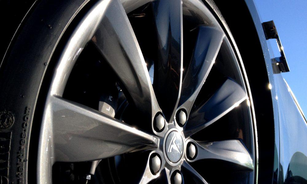 Tesla-Model-S-Tire-Wheel