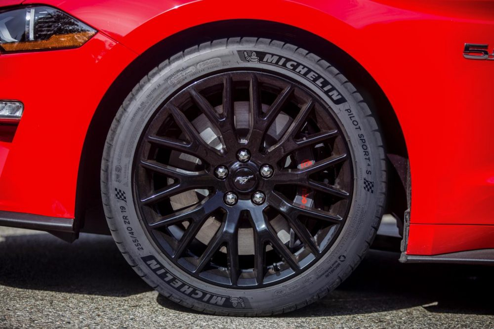 New_Mustang_GT_gets_Michelin_Pilot_Sport_4_S_tires