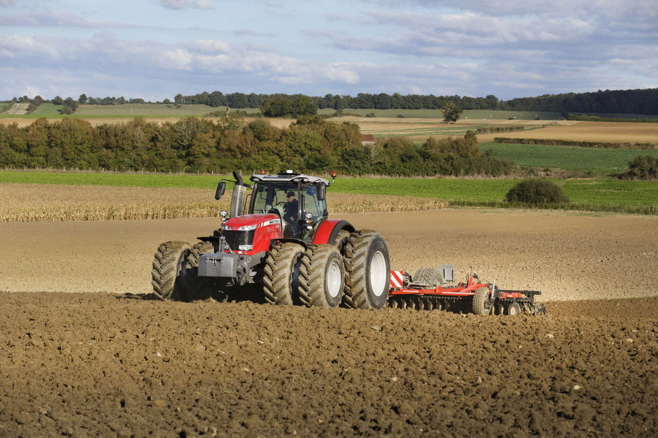 The MICHELIN AxioBib2, a high-traction capacity radial very-high flexion tire for mid- and high-powered tractor loads running with low pressure on a standard wheel, is CTIS-ready and has the best load index (650mm) on the market. (PRNewsfoto/Michelin North America)